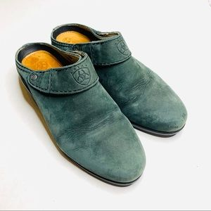 ARIAT Green Blue Leather Slide on Mule Size 9M